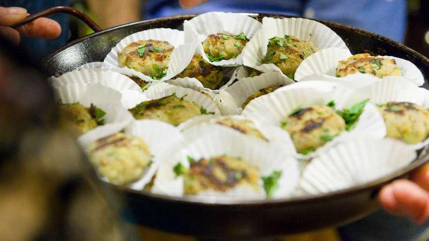 Aloo Tikki: spiced potato cakes/galettes de pomme de terre Indienne